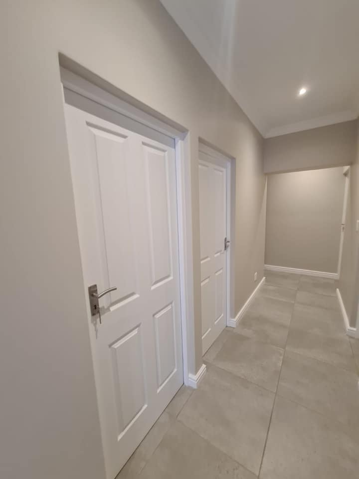 Corridor - Newly built ranch-style house - Schoeman Trio Builders, Mossel Bay