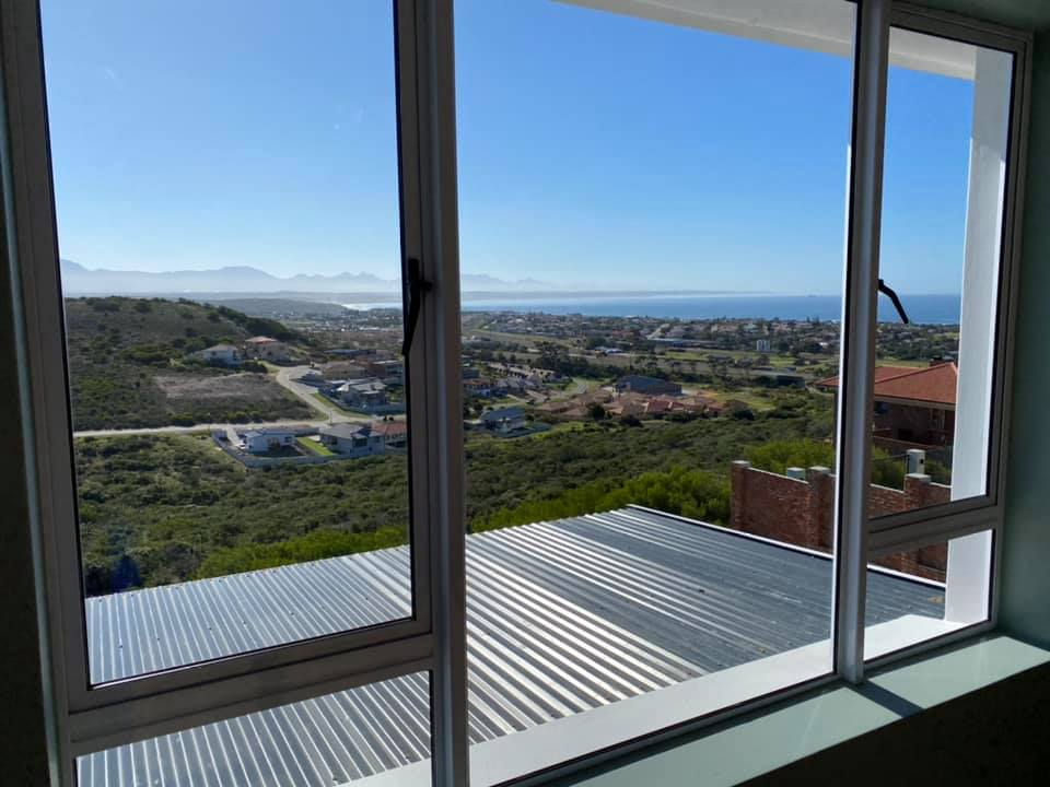 Sea view - Newly built semi-neoclassical colonial house - Schoeman Trio Builders, Mossel Bay