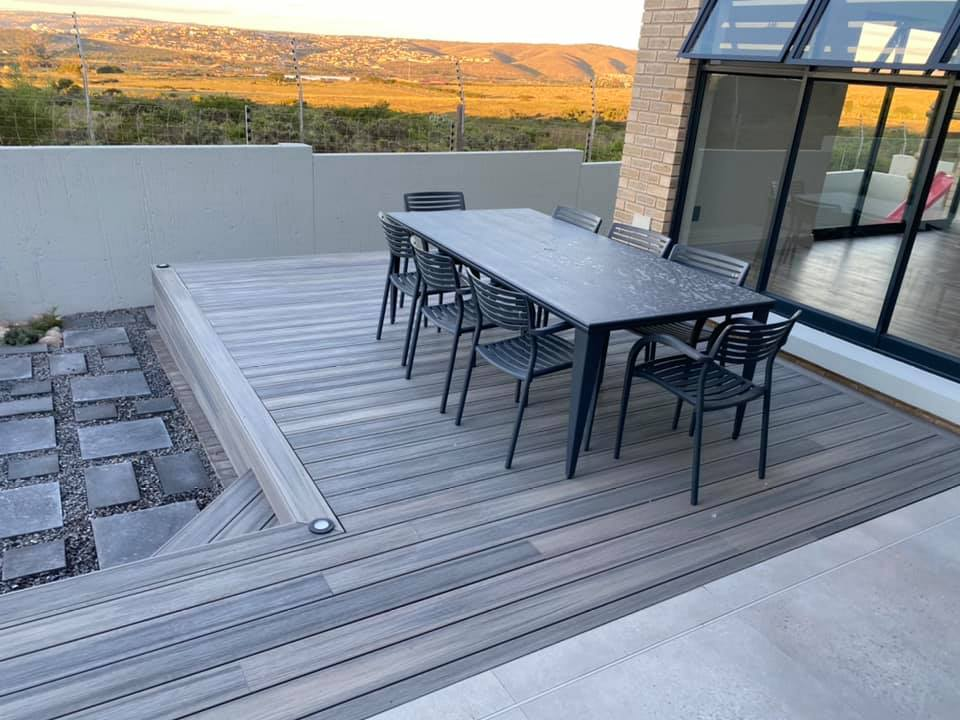 Stoep - New contemporary face brick construction in the Mossel Bay area by Schoeman Trio Builders