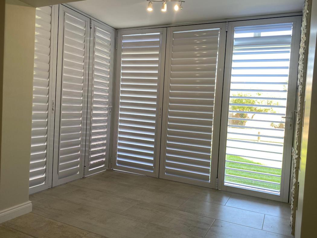 Enclosed stoep area - Interior apartment refurbishment in Hartenbos, Schoeman Trio Builders, Mossel Bay