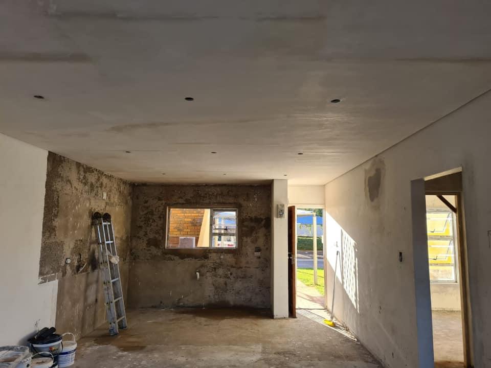 Kitchen before - Interior apartment refurbishment in Hartenbos, Schoeman Trio Builders, Mossel Bay
