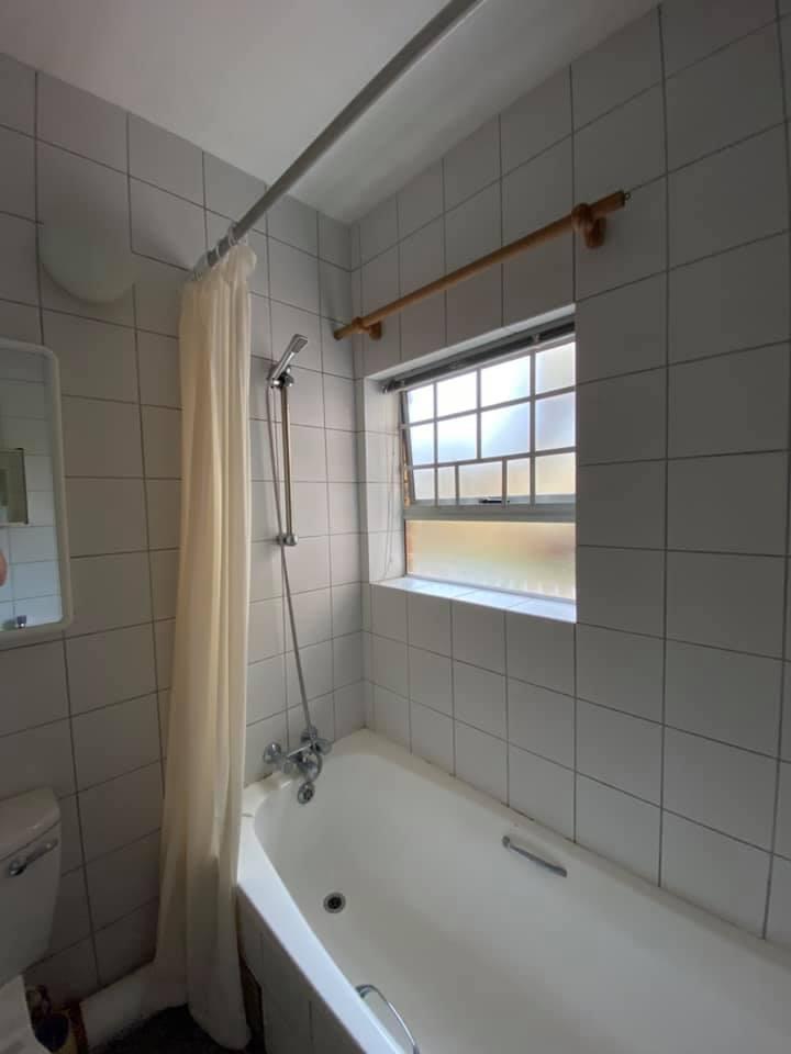 Bathroom before - Interior apartment refurbishment in Hartenbos, Schoeman Trio Builders, Mossel Bay