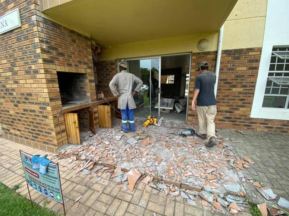 Before - Stoep area and interior apartment refurbishment in Hartenbos, Schoeman Trio Builders, Mossel Bay